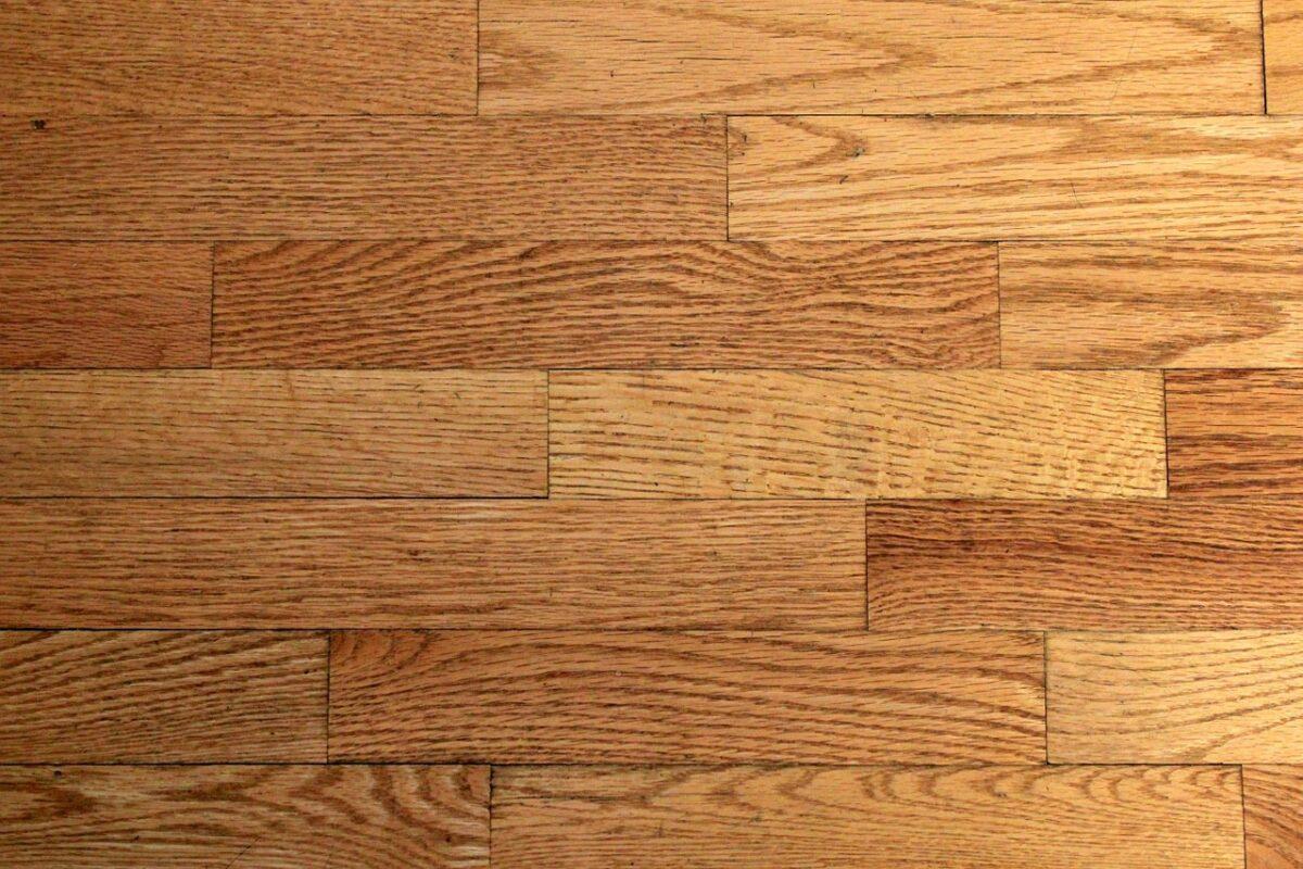 Hvilket gulv skal du vælge? Find fordelene her